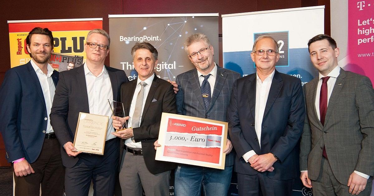 Nagarro and ÖBB Postbus representatives receiving the IT Business Award
