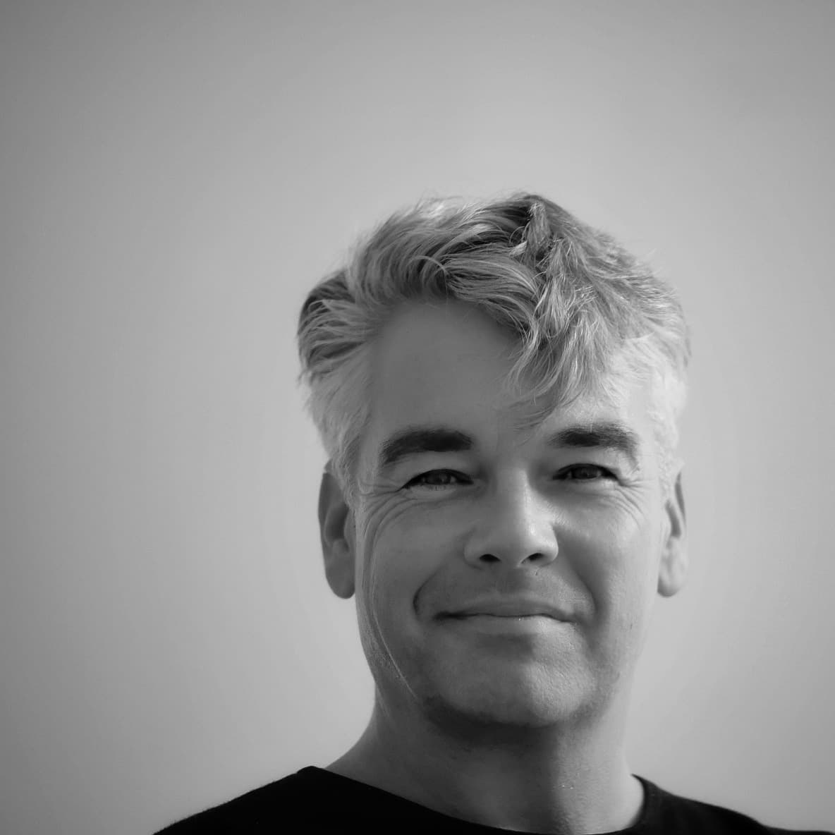 headshot profile - Dave Dawson